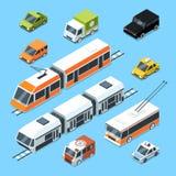Isometrisk kommunal transportuppsättning Vektorillustrationisolat på vit bakgrund royaltyfri illustrationer