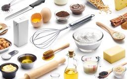 Isometrisk presentation av att baka ingredienser arkivfoton