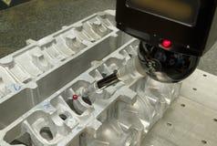 Ispezione della parte di alluminio da CMM Fotografie Stock