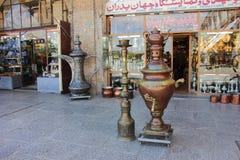 Isphahan, Iran - April 20 2019 De bazaar van het Vierkant van naqsh-E Jahan in Isphahan, Iran stock foto's