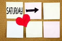 Ispirazione concettuale di titolo del testo di scrittura della mano che mostra concetto di sabato per il fine settimana felice di Fotografia Stock Libera da Diritti