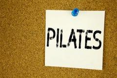 Ispirazione concettuale di titolo del testo di scrittura della mano che mostra Pilates Concetto di affari per l'allenamento o scr Fotografie Stock