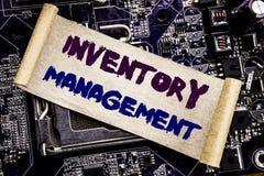 Ispirazione di titolo del testo di scrittura della mano che mostra amministrazione dell'inventario Concetto di affari per riforni fotografie stock