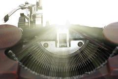 Ispirazione - immagine concettuale di vecchia macchina da scrivere Fotografie Stock Libere da Diritti