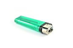 Isqueiro de gás verde isolado em um fundo branco Foto de Stock Royalty Free