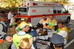Israëlische Medische teams die een scenario van het massaslachtoffer uitoefenen Stock Afbeeldingen