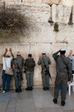 Israëlische Militairen bij de Westelijke Muur Royalty-vrije Stock Foto