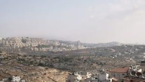 Israëlische nederzettingen op het betwiste Palestijnse grondgebied stock footage