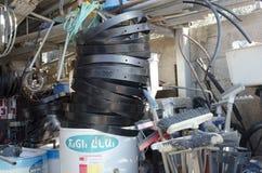 Israel öl-Sheva - ny sol- kokkärl i det förpackande företaget Hom-Hanegev Royaltyfria Bilder