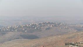 Israel, circa 2011 - la frontera de Israel Líbano con los posts y las banderas de Hezbolá