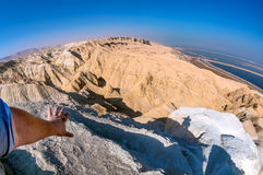 Israel, desierto de Judean, visión desde arriba del soporte Sodom. Imagen de archivo libre de regalías