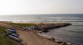 Israel, Haifa, Boote auf der Mittelmeerküste Lizenzfreies Stockbild