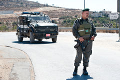Israeli Border Police Soldier. AL-WALAJA, OCCUPIED PALESTINIAN TERRITORIES - AUGUST 27: A soldier of the Israeli Border Police (Magav) stands near a police royalty free stock images