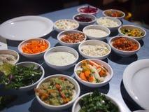 Israeli Mezze-Servierplatte Lizenzfreie Stockfotos