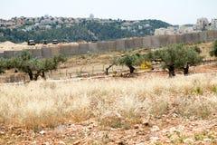 Israelische Armee durch die Wand der Trennung Stockfoto