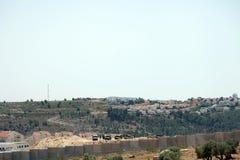 Israelische Armee durch die Wand der Trennung Stockfotos