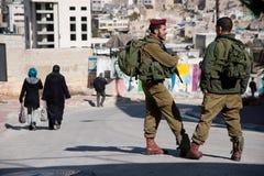 Israelische Soldaten und Hebron-Regelung lizenzfreie stockfotos