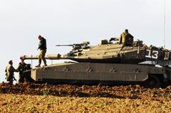 Israelisk behållare nära Gazaremsan royaltyfria foton