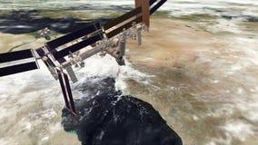 ISS na Czerwonym morzu i mknięciu chmurnieje zbiory wideo