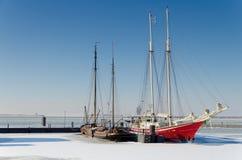 isseglingships blockerade två royaltyfri bild