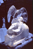 Isskulptur av en drake Arkivbilder