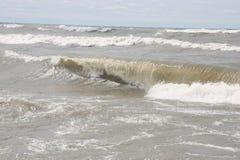 Ist es eine Welle oder ein Wasserfall? Lizenzfreies Stockfoto