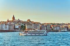 ISTAMBUL,土耳其07日2016年:日落的伊斯坦布尔视图在Th的 免版税库存照片
