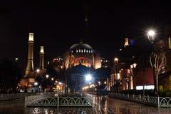 ISTAMBUL - 24 DE MARÇO: Hagia Sophia na noite, Istambul, Turquia Fotografia de Stock