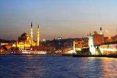 Istambul, porto de Eminonu Imagens de Stock Royalty Free
