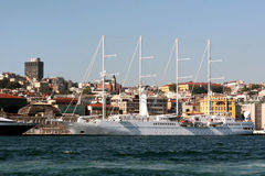 Istambul portuária Imagens de Stock Royalty Free