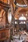 Istambul, Turquia - 27 de julho de 2015: Interior do museu de Ayasofya Imagem de Stock