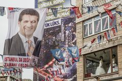 ISTAMBUL, TURQUIA - 27 DE MARÇO DE 2014: Eleição Bann da autoridade local imagens de stock
