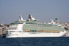ISTAMBUL, TURQUIA - 8 DE OUTUBRO: O navegador do navio de cruzeiros dos mares Imagens de Stock