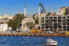 Istambul, Turquia - 23 de outubro de 2017: Passo de Bosphorus, Istambul, Turquia Fotos de Stock Royalty Free