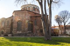 ISTAMBUL, TURQUIA - 04 03 2019: Igreja Aya Irini de Hagia Irene no parque do pal?cio de Topkapi em Istambul, Turquia imagens de stock