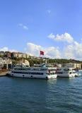 ISTAMBUL, TURQUIA, O 24 DE AGOSTO DE 2015: Formação dos cruzadores no golde Imagens de Stock