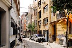 Istambul, Turquia, o 12 de março de 2013 Rua no centro do cit velho Fotos de Stock