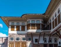 Istambul, Turquia, o 22 de setembro de 2018: Vista da construção principal no segundo pátio do palácio de Topkapi foto de stock royalty free