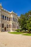 Istambul, Turquia Uma das construções do palácio das sultões Dolmabahce do otomano Imagem de Stock Royalty Free