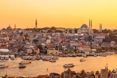 Istambul, Turquia, vista na baía dourada do chifre da torre de Galata Imagem de Stock