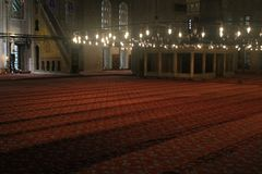 Istanboel - binnen Blauwe Moskee royalty-vrije stock foto's