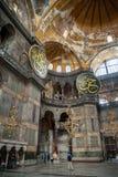 ISTANBOEL - 10 JULI 2015: binnen de basiliek van Hagia Sophia Stock Afbeelding