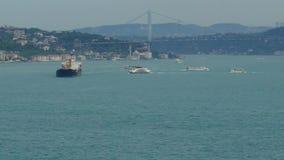 Istanboel Overzees verkeer in Bosphorus-Straat stock footage