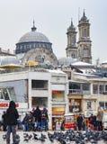 Istanboel, Taksim-Vierkant De Griekse Orthodoxe Kerk van Hagiatriada in t Stock Afbeeldingen