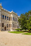 Istanboel, Turkije Één van de gebouwen van het paleis van de Ottomanesultannen Dolmabahce Royalty-vrije Stock Afbeelding