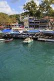 ISTANBOEL, TURKIJE, 24 AUGUSTUS, 2015: Mening over jachthaven in kavagi Stock Afbeeldingen
