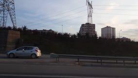 Istanboel, Turkije - Februari 19, 2017: Zijaanzicht van een weg van snelle auto stock video