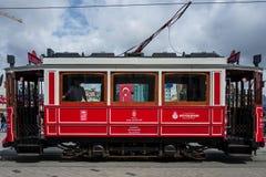Istanboel, Turkije - Mei 20 2018: Een uitstekende trein op het gebied van Istanboel Taksim Royalty-vrije Stock Foto