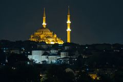 ISTANBOEL, TURKIJE - MEI 29: Nachtmening van de Suleymaniye-Moskee in Istanboel Royalty-vrije Stock Foto's
