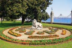 ISTANBUŁ TURCJA, MARZEC, - 25, 2012: Rzeźba lew w Dolmabahce pałac Fotografia Stock